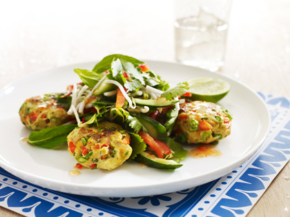Thai fish cakes with crunchy salad