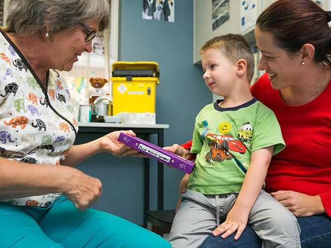 how to become a child health nurse wa