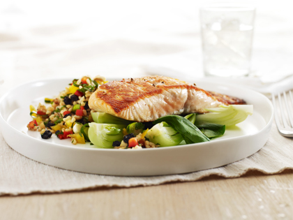 Grilled salmon with brown rice salad for Summer fish and rice